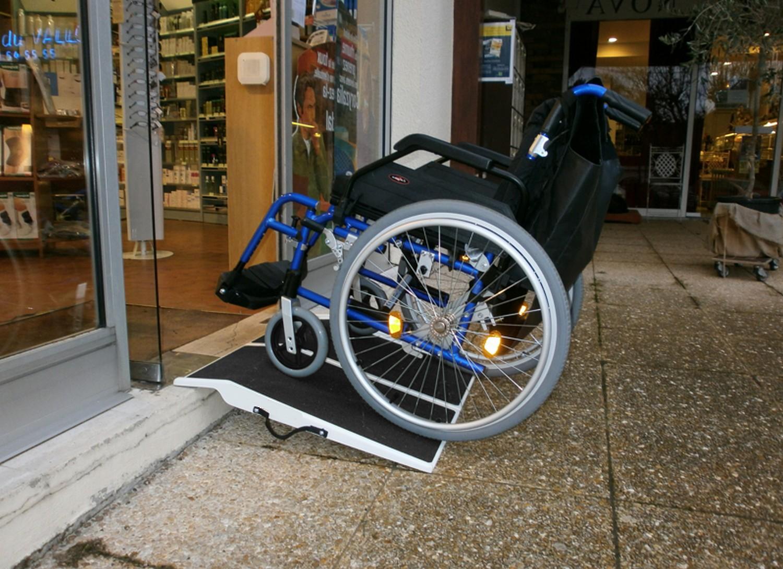 Accessibilit boreal ouvertures le hezo vannes 56 - Largeur des portes pour fauteuil roulant ...