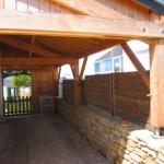 Carport bois, toiture ardoisée